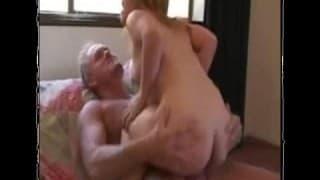 porno-s-liliputami-hd-porevo-zhenu-ebet-sanek