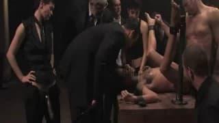 Экстрим секс сессия с несколькими наблюдателями