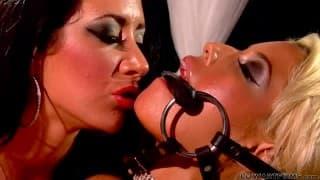 Бриджит Би и Джейден Джеймс, две женщины, любящие лесби секс