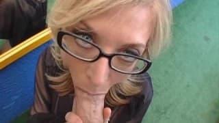 Нина Хартли зрелая и очень возбужденная шлюха