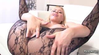 Блондинка Крисси Лин в жестком порно видео!