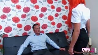 Рыжая горничная в секси белье