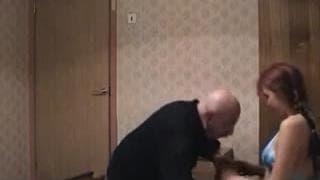 Видео старика с молодой шлюхой