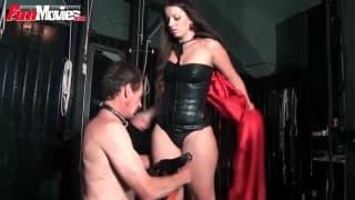 Секс-раб получит анальный трах