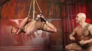 Жесткий трах в горячей секс сцене