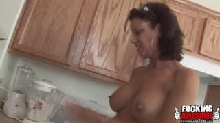 Ванесса Видел- любитель молочных коктейлей