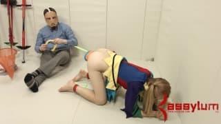 Эмма Хайзе трахается в очень интересном месте