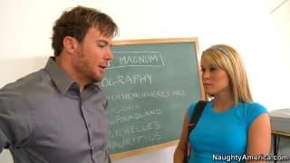 Эйден Аспен трахается со своим учителем