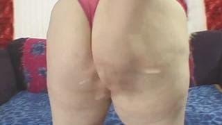 Энджи Лув, толстушка любит секс