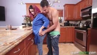 Ада Санчес - сексуальная арабская шлюха