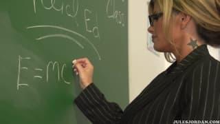 Кристал Саммерс хочет петух ее студента