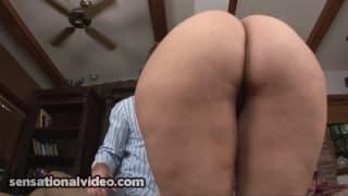 Изабелла имеет хорошую задницу для траха.