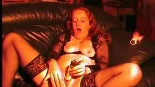 Она эксцентричная бабушка с секс игрушками