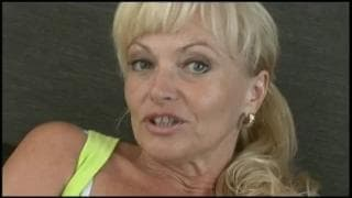 Рената - это блондинка, которая хочет содомию