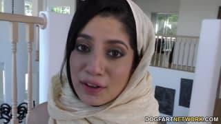 Надия Али брюнетка, кто любит черных парней