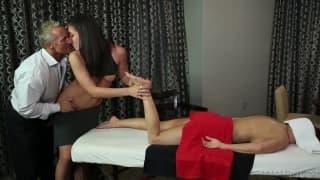 Джанет, Маркус и Райлин в сцене секса