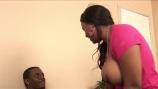 Жанае Фокс трахает ее черный парень