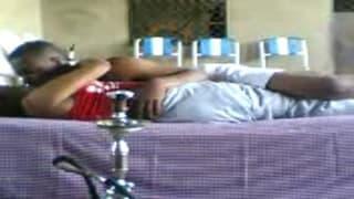 После курения они ложатся в постель