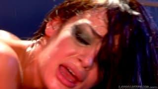 Анджелина Валентин в горячей гонзо сцене