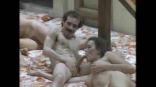 Равен в винтажном классическом порно