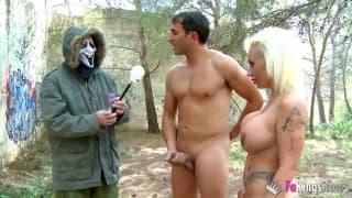 Джина Снейк любит секс на открытом воздухе