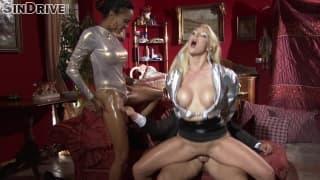 Алисия Девайн и Виктория Саммерс в секс-трио