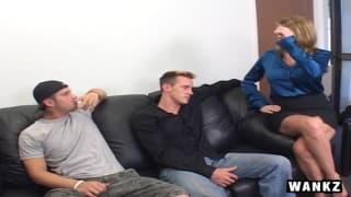 Кайла Куинн любит подпрыгивать на двух членах
