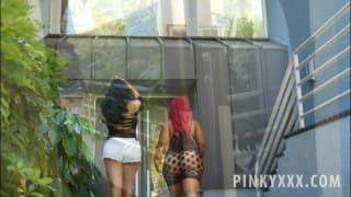 Киара Миа и её подруга Пинки ебутся с негром