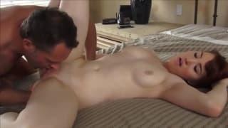 Отличная наслаждающая сессия страстного секса