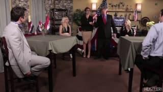 Политическая сцена для этого горячего порно