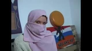 Руби - молодая и горячая тунисская малышка