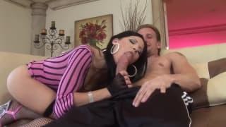 Ребекка Линарес любит чувствовать хуй глубоко