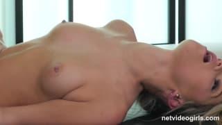 Сексуальная Яна наслаждается кастингом