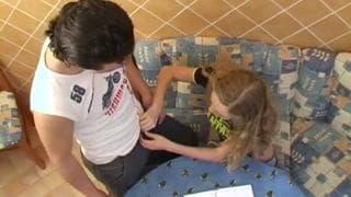 Оля Янг - русский подросток, которую трахают