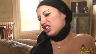 Сексуальная арабская сука в двойном трахе
