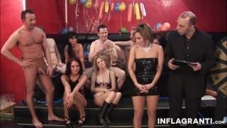 Сексуальные шлюхи, любящие фаллоимитаторы