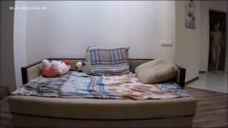 Бекка трахается со своим парнем в гостиной