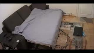 Любительская горячая пара ебётся на диване